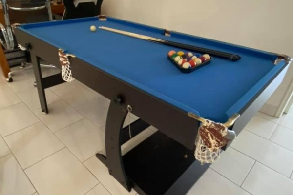 6' x 3' pool table. Foldable and can be dismantle